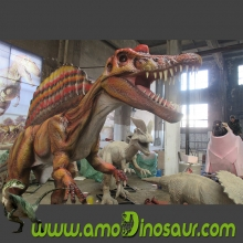 Animatronic dinosaurs water-spraying dilophosaurus for playground